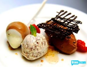 stefan-chocolate-mousse-and-straciatella-ice-cream-with-vanilla-syrup-raspberry-and-banana-chocolate-lollipop